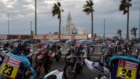 AUTO MOTO DAKAR Toby Price inicia la defensa de su título en motos con victoria de etapa en el Dakar 2020