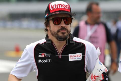 AUTOMOVILISMO ALONSO  Alonso disputará la Harrismith 400 con el coche que Toyota llevará al Dakar