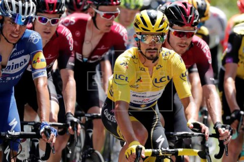 CICLISMO TOUR Alaphilippe: `Creo que puedo mantener el amarillo en la crono`