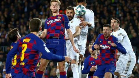 FÚTBOL BARCELONA-REAL MADRID 0-0. Poco fútbol para tanta expectación