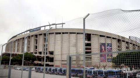 FÚTBOL BARCELONA-REAL MADRID Los Mossos despliegan un amplio dispositivo ante un clásico de alta tensión