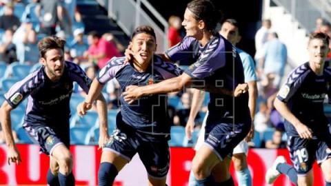 FÚTBOL CELTA-VALLADOLID 3-3. El argentino Leo Suárez completa en el 93 la remontada del Valladolid
