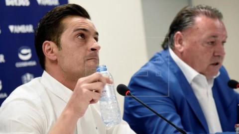 FÚTBOL HUESCA Francisco anuncia que no seguirá dirigiendo al Huesca la próxima temporada