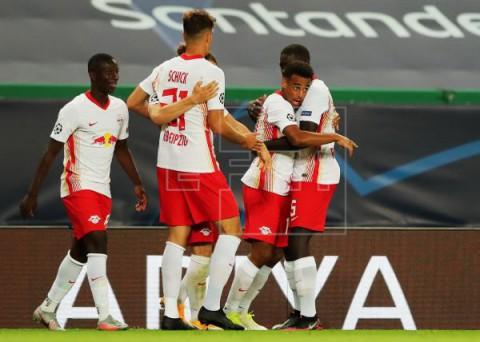 FÚTBOL LIGA CAMPEONES 2-1. Fiasco del Atlético