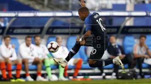 FÚTBOL LIGA NACIONES: FRANCIA-HOLANDA  2-1 Mbappé y Giroud prolongan la fiesta `bleu`