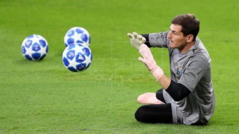 FÚTBOL PORTUGAL El Oporto anuncia oficialmente la renovación de Iker Casillas