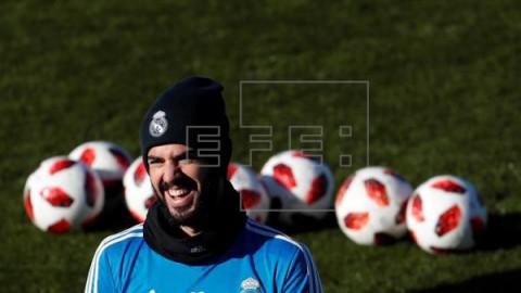 FÚTBOL REAL MADRID Isco completa parte del entrenamiento previo al Levante-Madrid de Liga