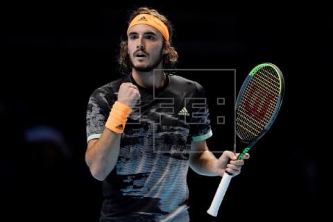 TENIS FINALES ATP Tsitsipas vence a Medvedev y le aleja de Federer